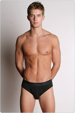 2xist Essential No-Show Brief Black