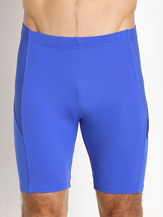 Model in blue Modus Vivendi Active Mesh Cycle Short