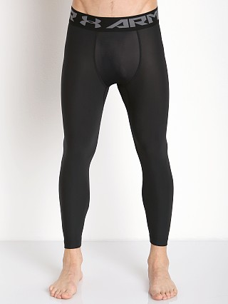 Model in black/graphite Under Armour Heatgear 2.0 3/4 Compression Legging
