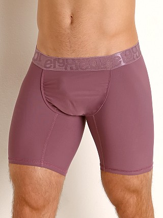 Model in marsala Ergowear FEEL XV Midcut