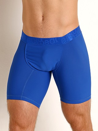 Model in royal blue Ergowear FEEL XV Midcut