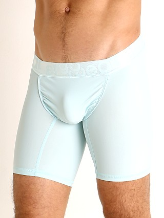 Model in mint Ergowear FEEL XV Midcut