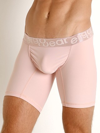 Model in dusty pink Ergowear FEEL XV Midcut Gatsby