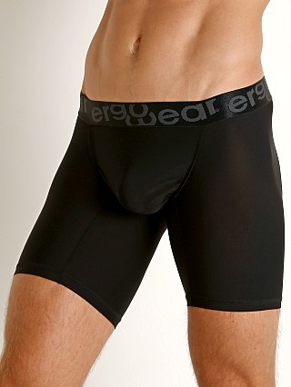 Model in black Ergowear FEEL XV Midcut Soho
