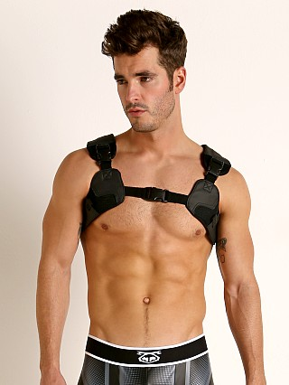 Model in black Nasty Pig NP94 Harness