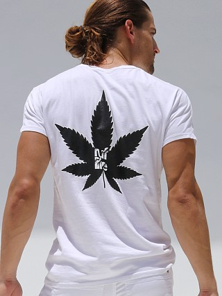 You may also like: Rufskin Ruflife Short Sleeve Crew Neck Tee White