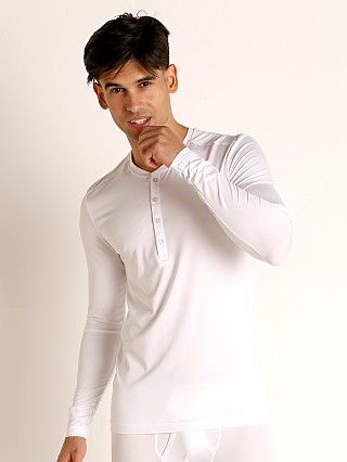 Model in white 2xist Speed Dri Sterling Henley