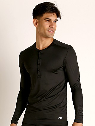 Model in black onyx 2xist Speed Dri Sterling Henley