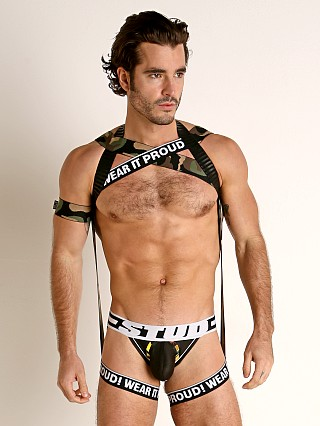 Model in camouflage STUD Amro Ambush Chest and Leg Harness