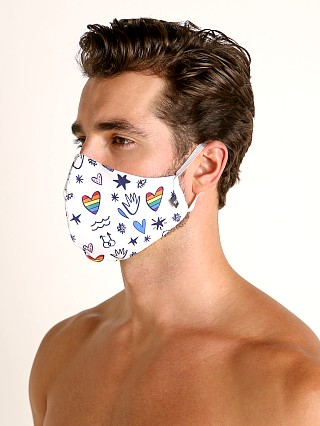 Complete the look: Tulio Face Mask Rainbow Hearts and Hands
