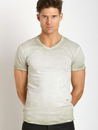 You may also like: G-Star Neigan Relaxed V-Neck Shirt Grege Green