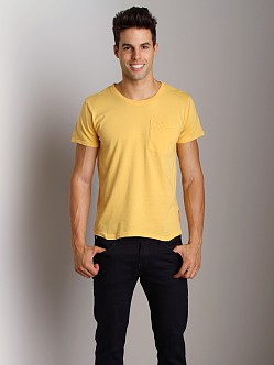 Nudie Jeans Roundneck Pocket Tee Yellow