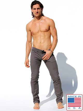 Model in cement Rufskin Johnson Low-Rise Stretch Denim Jeans
