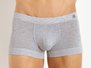 Model in grey Modus Vivendi Pure Boxer