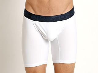 Model in white/navy Ergowear FEEL XV Midcut