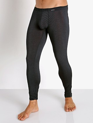 Model in black Olaf Benz Pearl 2058 Sheer Lines Leggings