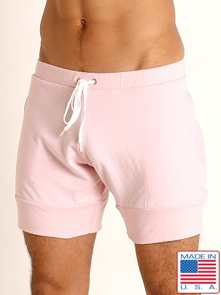 Model in light pink Go Softwear Moderne Harbor Short