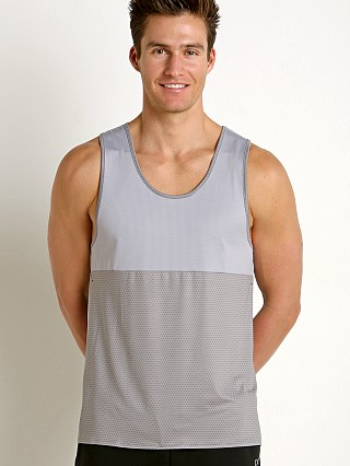 Model in atom print/ice grey 2xist Sport Tech Performance Tank Top