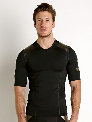 Model in black/metallic sepia Under Armour Perpetual Powerprint Half Sleeve Shirt Black/Metal