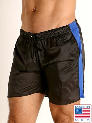 Model in black/blue Go Softwear Hard Core Flexxx Gym Short