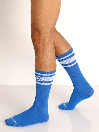 Model in chelsea blue Nasty Pig Hook'd Up Sport Socks
