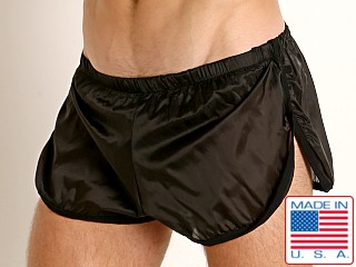 Model in black Go Softwear Hard Core Fluid Sprint Short