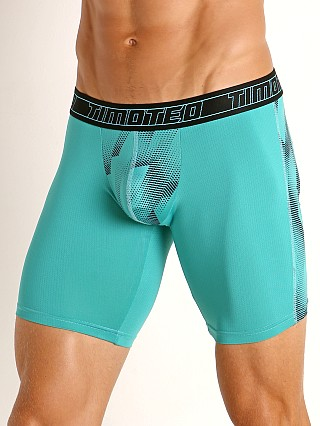 Model in mint Timoteo Aero Sport Trunk