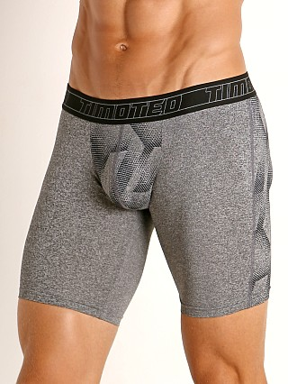Model in grey Timoteo Aero Sport Trunk