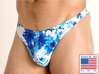 Model in moulin bleu LASC Brazil Swim Thong
