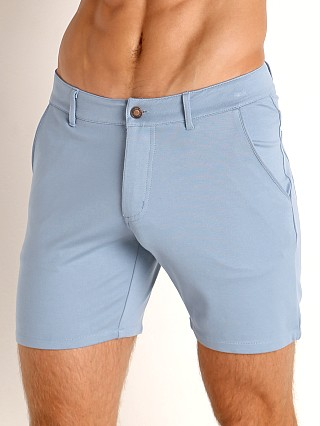 Model in light blue Timoteo Chelsea Short
