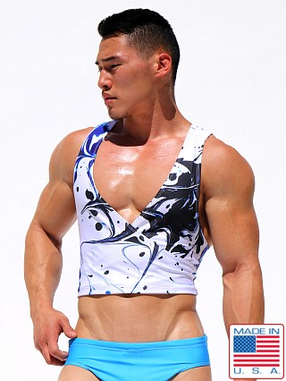 Model in print Rufskin Swirl Sublimated Torso Tank