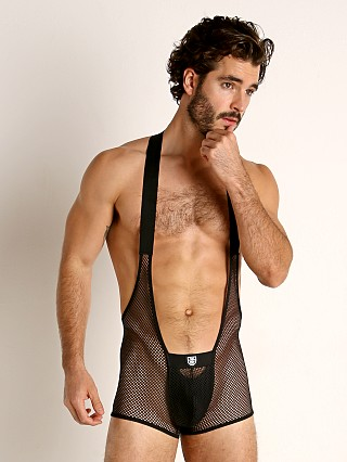 Model in black TOF Paris Mesh Bulge Singlet