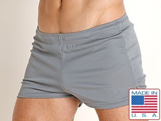Model in charcoal LASC Lined Runner Short
