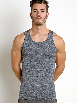 Model in grey St33le Seamless Performance Tank