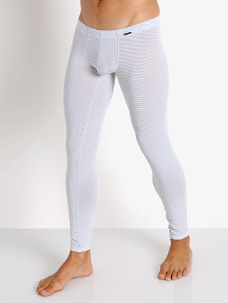 Model in white Olaf Benz Pearl 2058 Sheer Lines Leggings