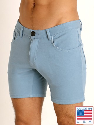 Model in slate blue Go Softwear Moderne 5-Pocket Short