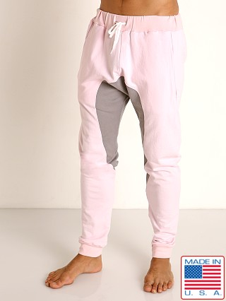 Model in light pink Go Softwear Moderne Jogger Pants
