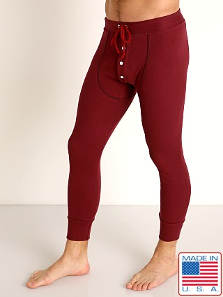 Model in bordeaux Go Softwear Lumberjack Long Johns